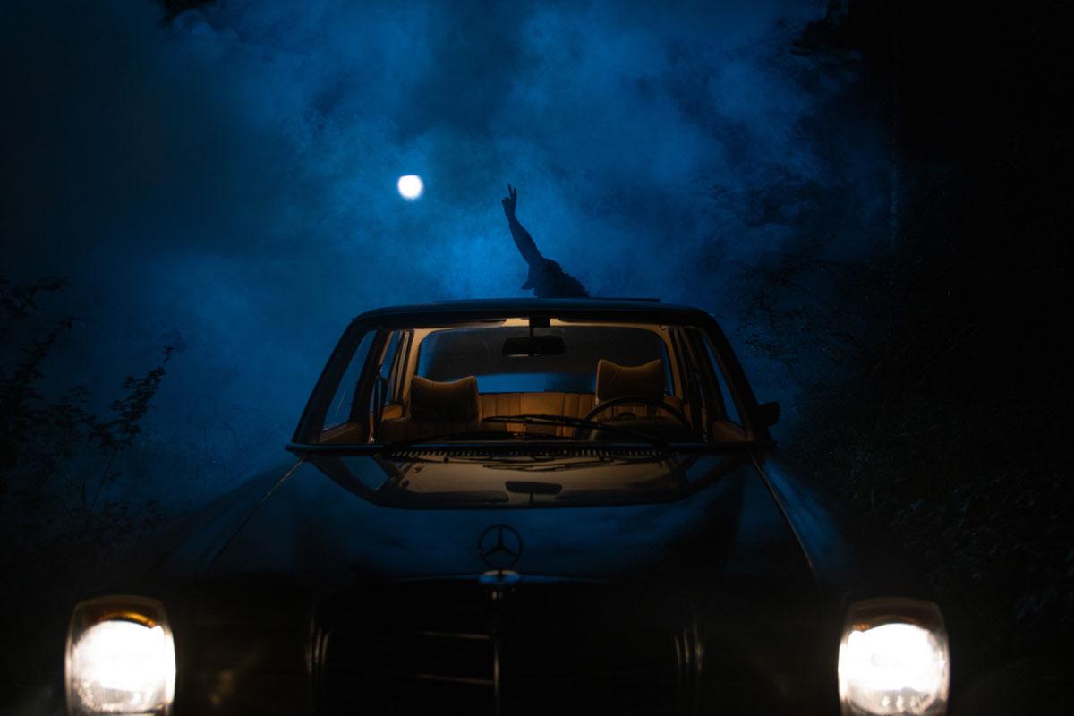 Zu sehen ist Christoph Comper bei dem Dreh für ein Musikvideo. gemacht von Pia Berchtold.