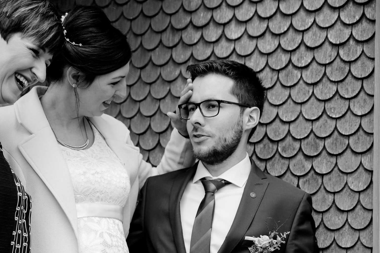 Standesamtliche Hochzeit von Julian und Rebecca Gmeiner. Fotos gemacht von Pia Berchtold.